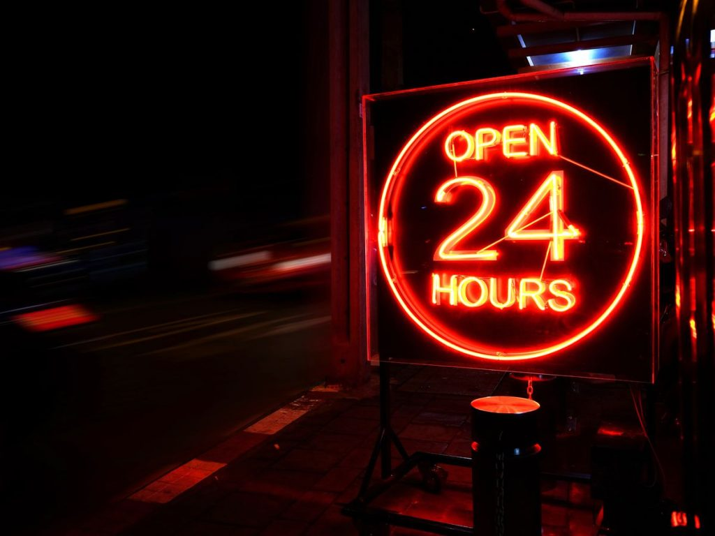 24 hour restaurants in vancouver